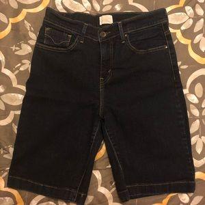 Women's Levi shorts!
